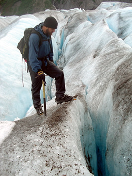 glacier_hike_crampons